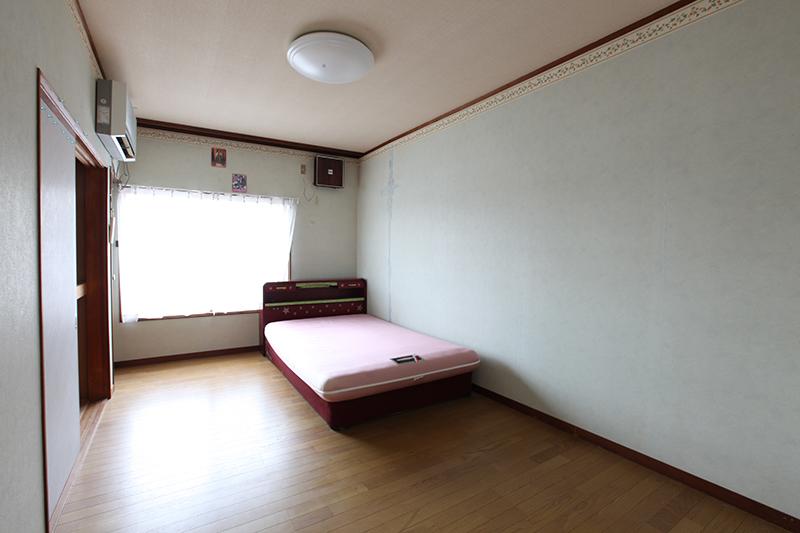 寝室 before